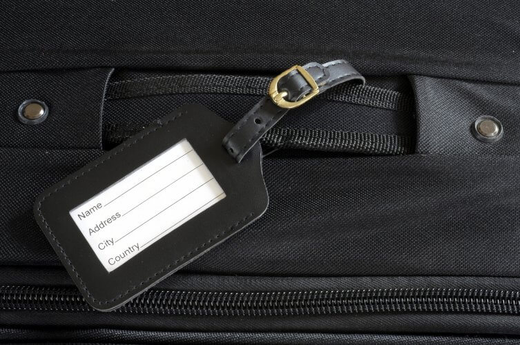 49ab3c14e45c 10 Best Luggage Tags & Identifiers in 2019 | Land Of The Traveler