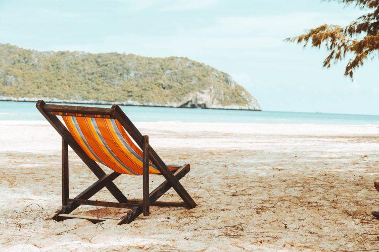 Marvelous 10 Best Beach Chairs You Can Buy In 2019 Land Of The Traveler Inzonedesignstudio Interior Chair Design Inzonedesignstudiocom